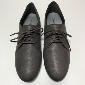 American Eagle Grey Lace up Oxford Show